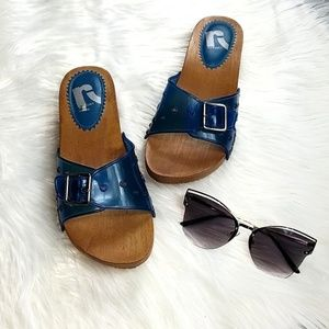 Report wooden slip sandal blue